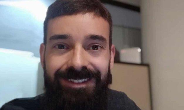 """<div class=""""titulo_partido""""><span>Ferrados de corazón.</span></div> Francisco Novo, traballador social"""