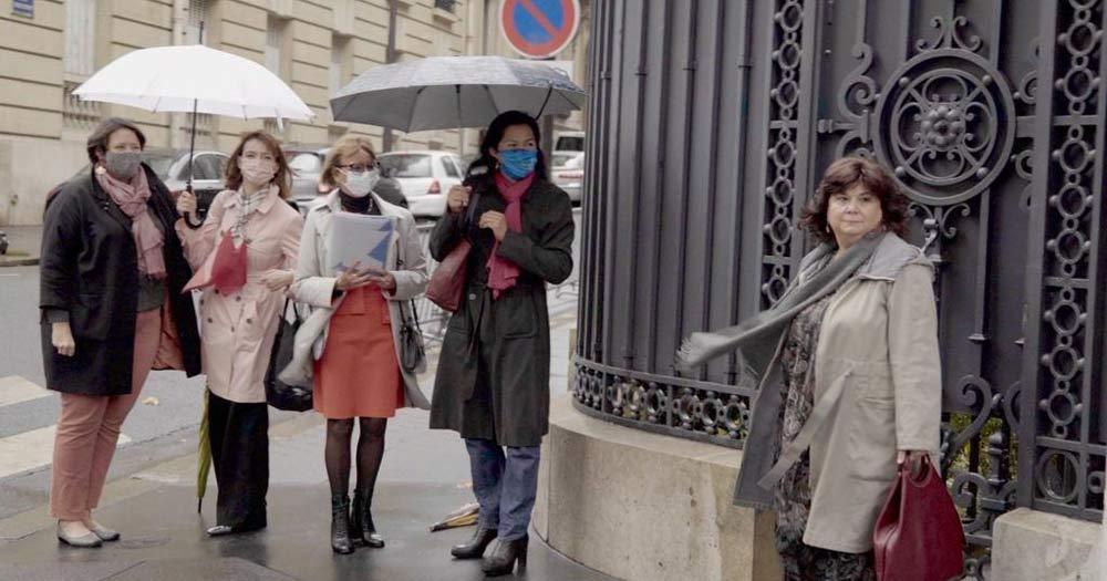En París, coas compañeiras de Toutes Apôtres