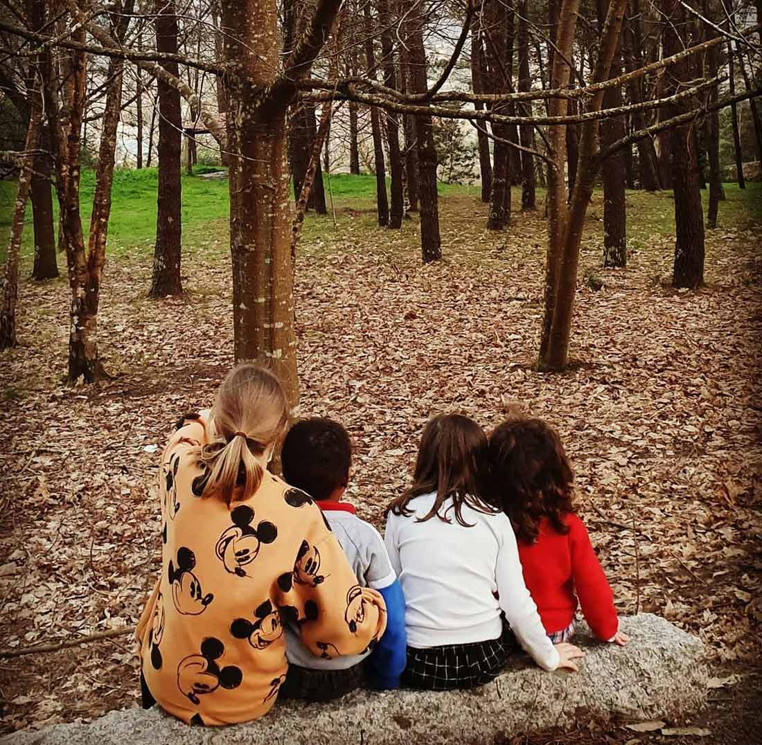 """Ferrados de corazón. Carmen Dourado: """"Hai centos de crianzas en centros de menores, sen dereito a teren unha familia"""""""